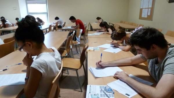 Una alumna valenciana  logra sacar la mejor nota en todas las pruebas de acceso a la universidad un 14